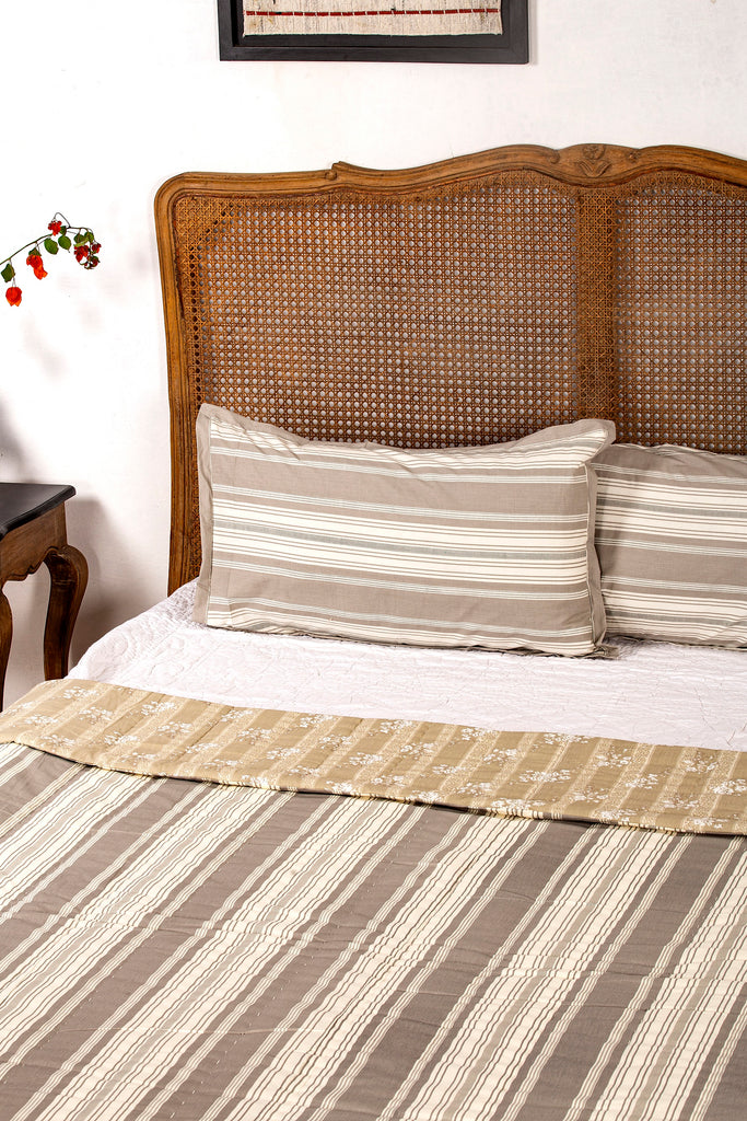 Betala Reversible Quilt with 2 Pillow Cover