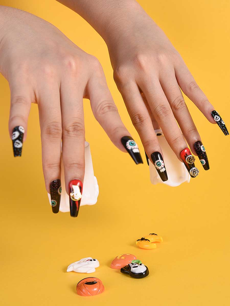creepy halloween nails