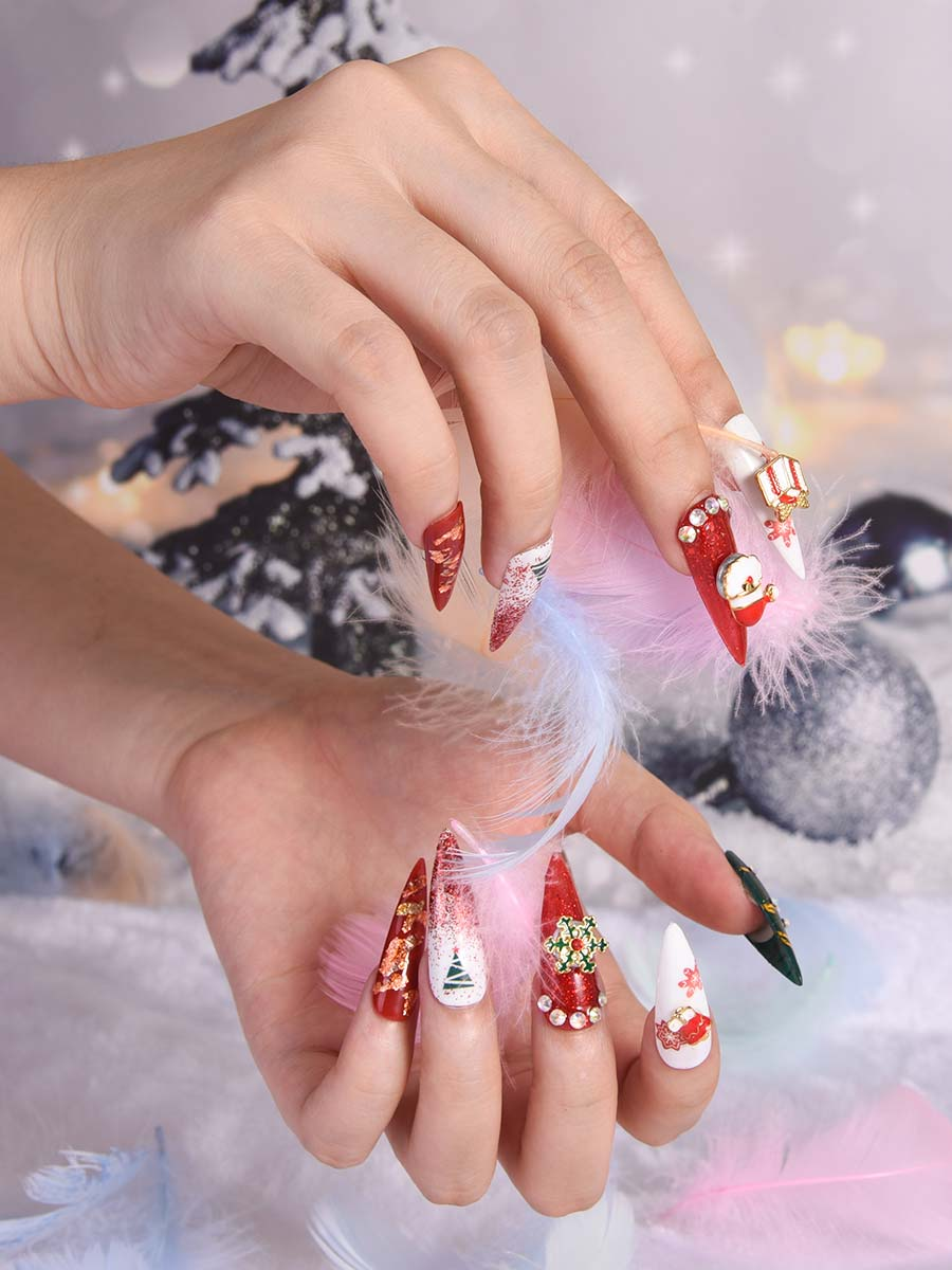 red chrismas nails