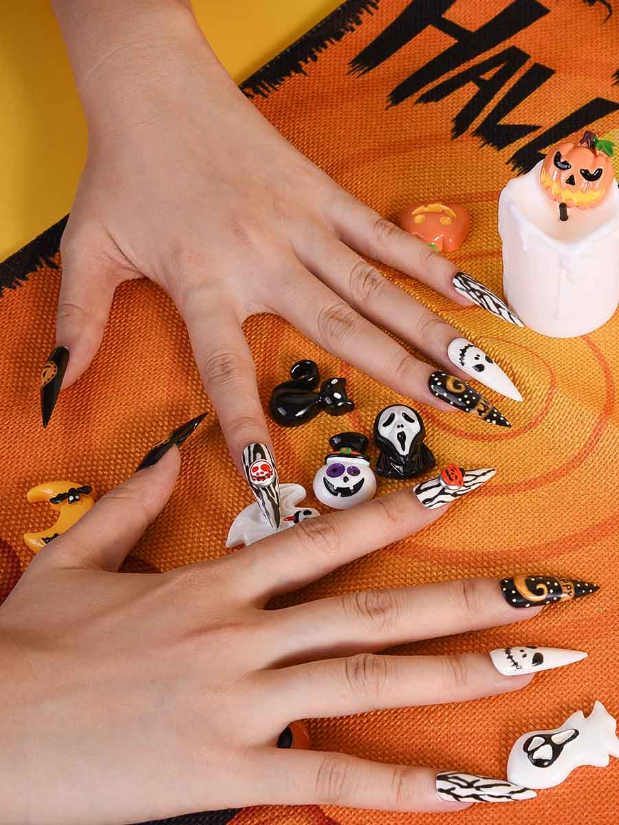 spooky acrylic nails