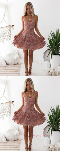 Charming A-Line V-Neck Spaghetti Straps Tulle Homecoming Dresses With Appliques,VPBD575