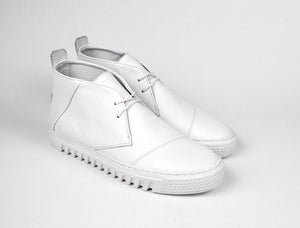 Womens Chukka Trainer in White Tumbled Leather