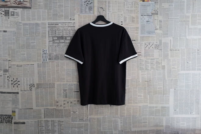 Two tone collar T-shirt in Black