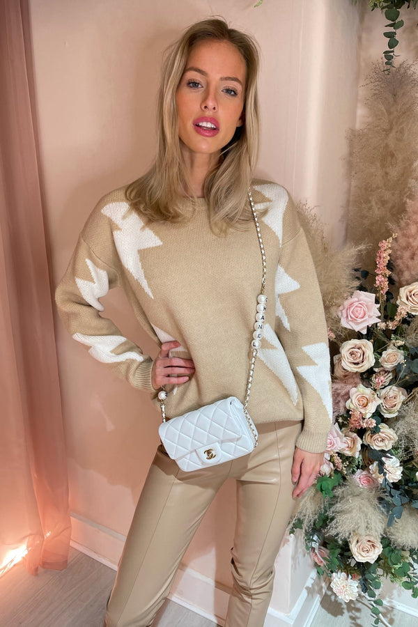BEIGE/WHITE LIGHTENING BOLT JUMPER
