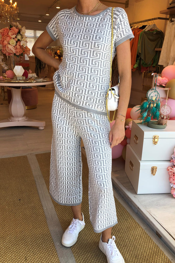 WHITE/GREY PATTERNED MATCHING SET