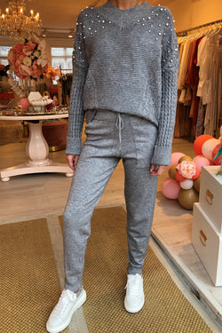 GREY KNITTED LOUNGE SET WITH PEARL DETAIL