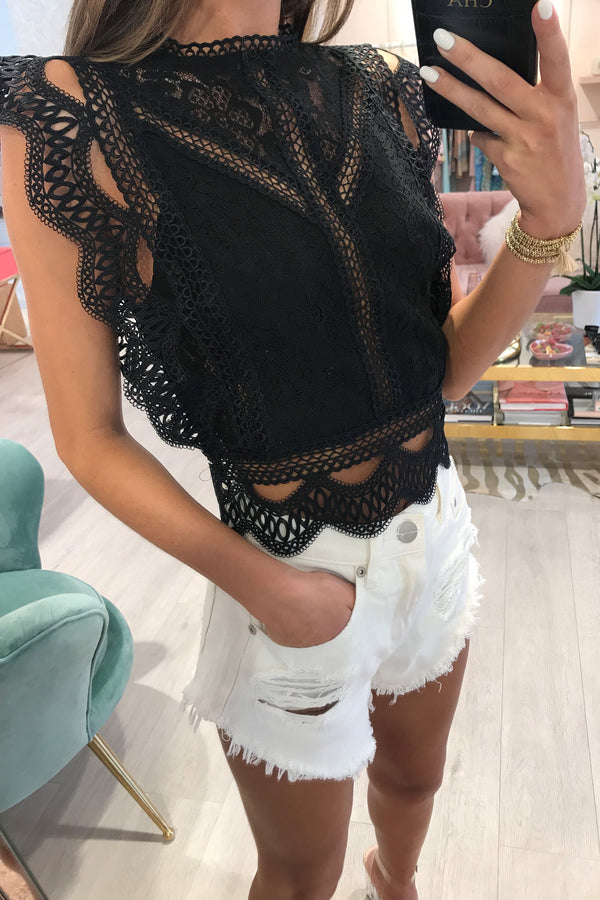 SCALLOP CROCHET LACE OVERLAY CROP TOP BLACK