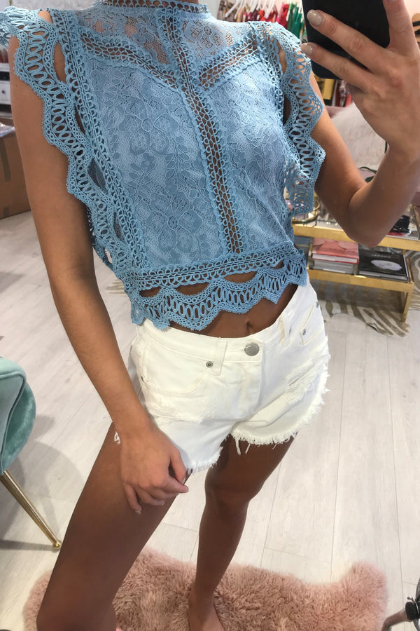 SCALLOP CROCHET LACE OVERLAY CROP TOP BLUE