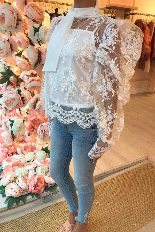 SIEA WHITE LACE TIE NECK BLOUSE