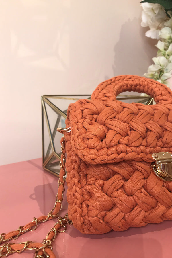 ORANGE WOVEN MINI BAG WITH CHAIN STRAP
