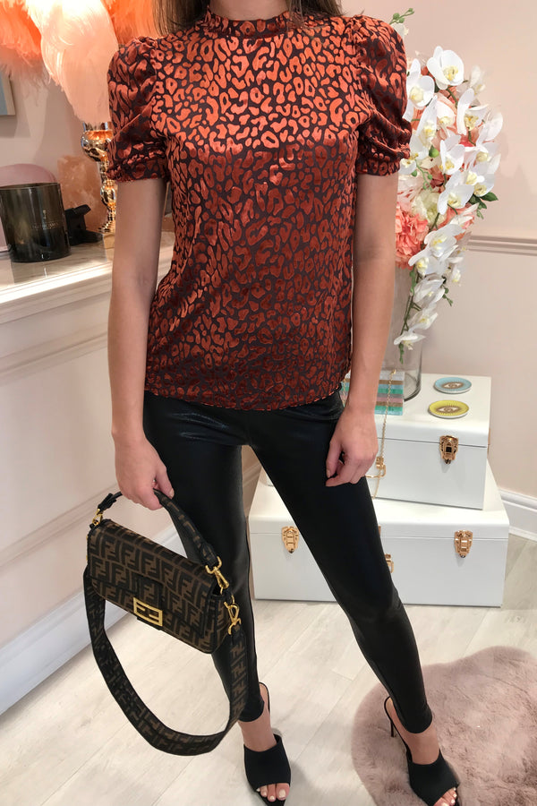 RED LEOPARD SHORT SLEEVE TOP
