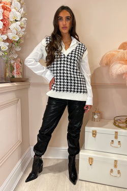 DOGTOOTH KNITTED VEST WITH WHITE SHIRT