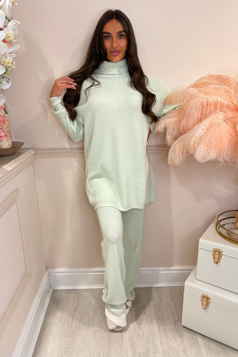 PISTACHIO GREEN OVERSIZED LOUNGE SET