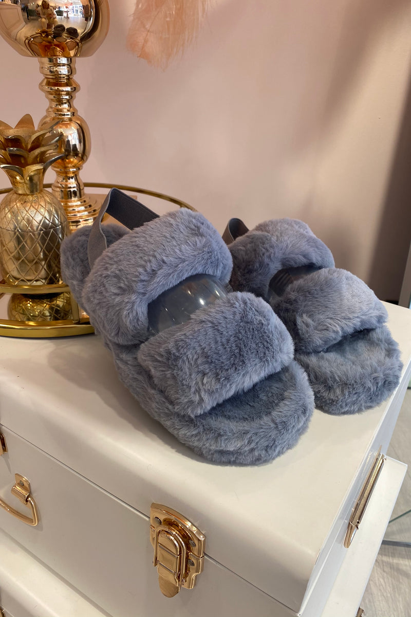 GREY FLUFFY SLIPPERS WITH ELASTICATED BACK