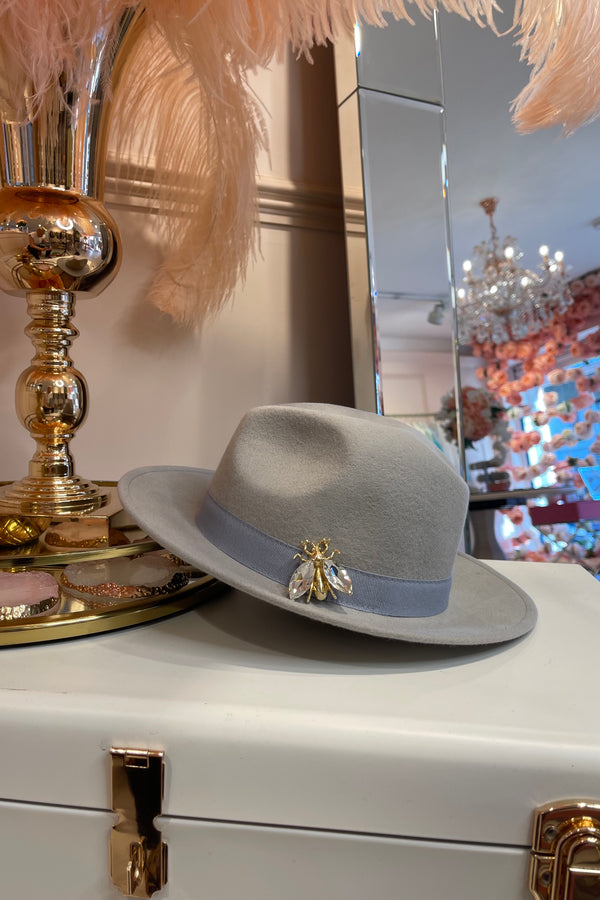 LIGHT GREY FEDORA HAT WITH GOLD BEE & VELVET DETAIL