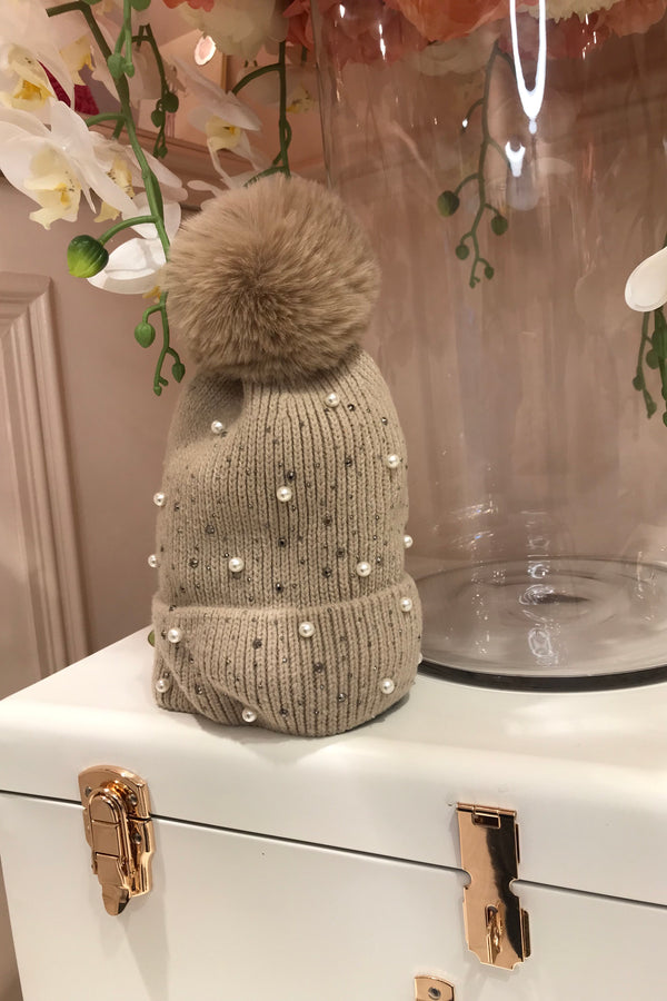 BEIGE EMBELLISHED BOBBLE HAT