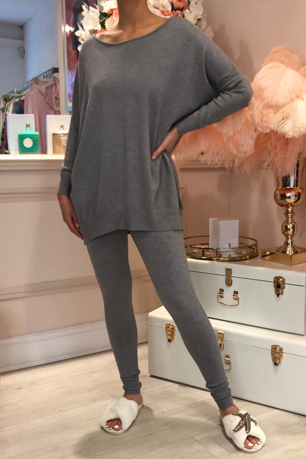 GREY MATCHING SET WITH LEGGINGS & OVER SIZED TOP