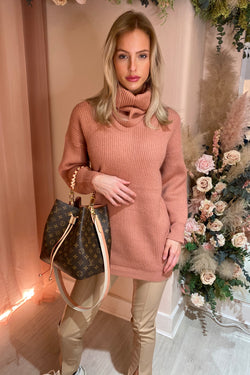 OLA PINK KNITTED DRESS WITH DETATCHABLE NECK SCARF