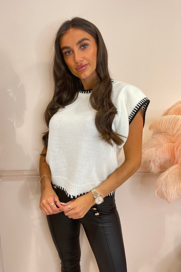 MIMI WHITE KNITTED TOP WITH CONTRAST STITCH