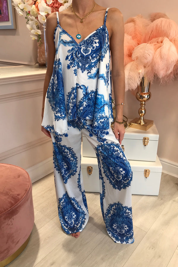 BLUE/WHITE SILK LIKE PRINTED MATCHING SET