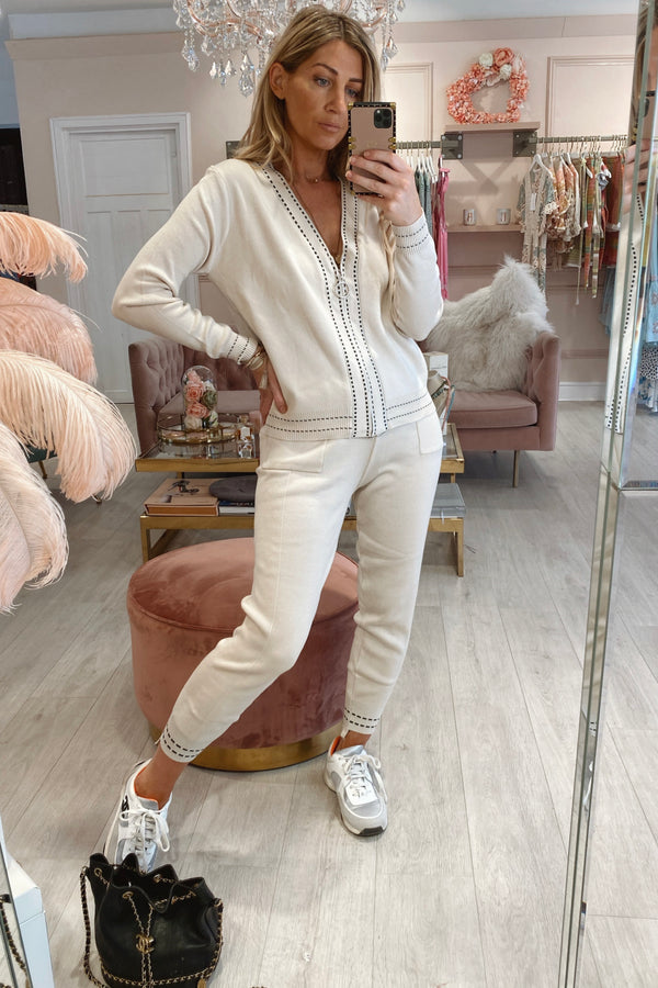 TAB STITCH & ZIP DETAIL TRACKSUIT CREAM