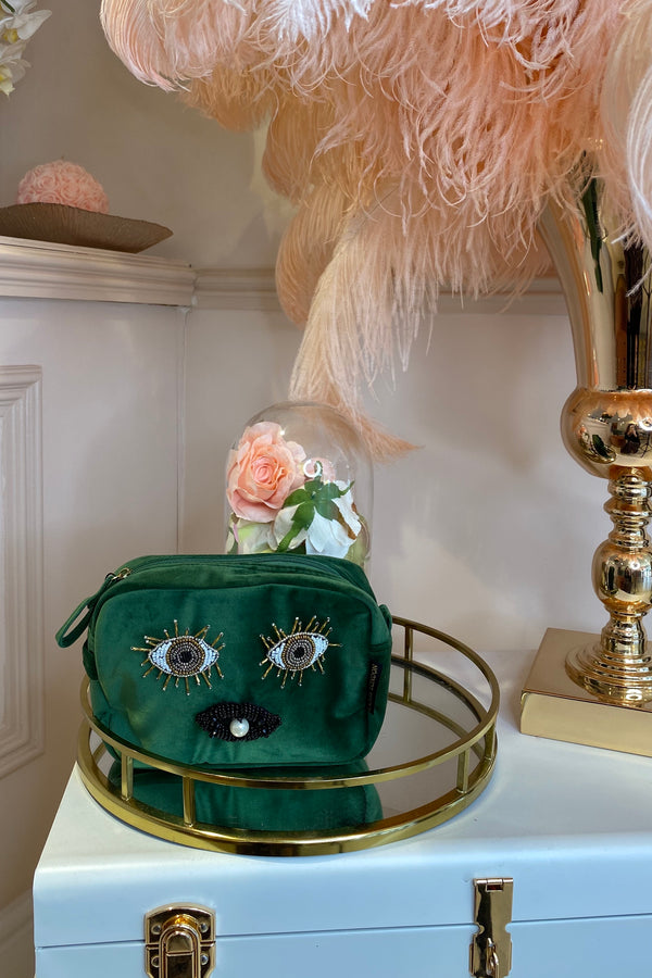 GREEN VELVET BAG WITH EYES & LIPS BROCH