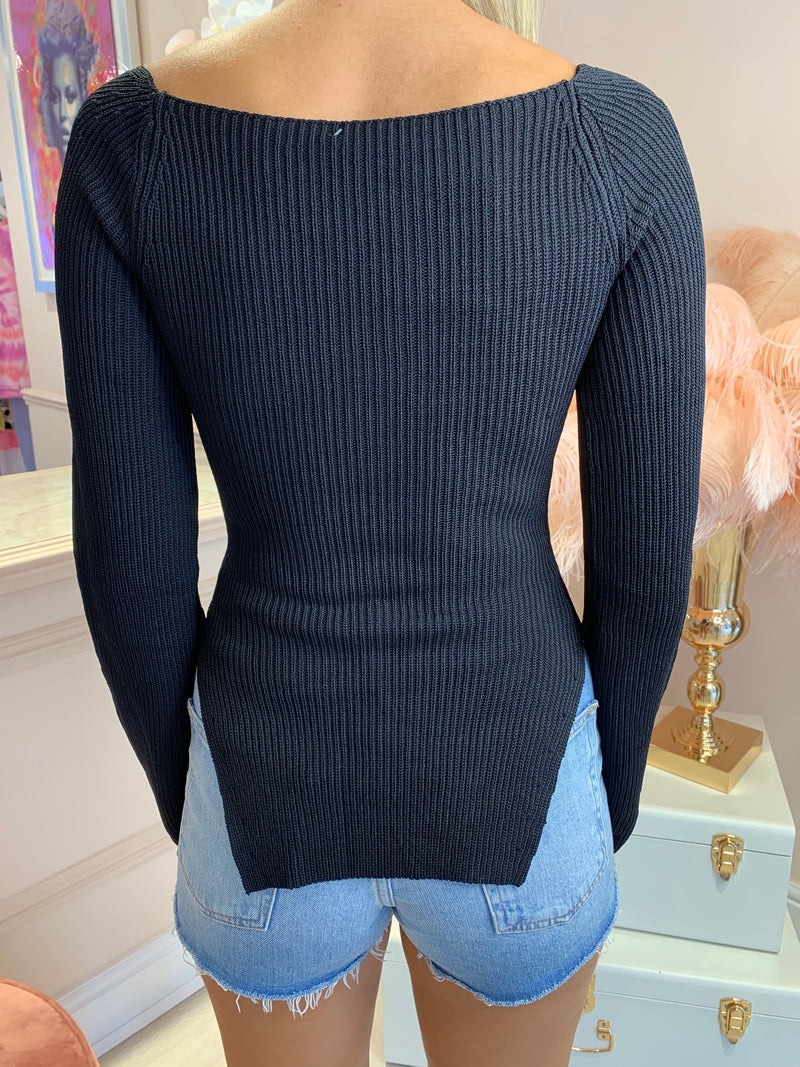 EVIE BLACK KNITTED LONG SLEEVE TOP