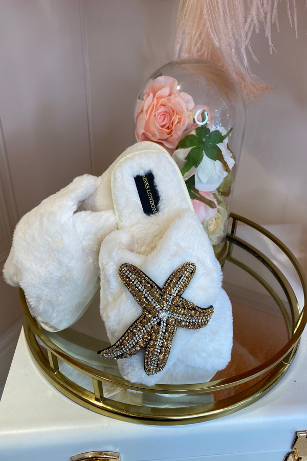 CREAM FLUFFY SLIPPERS WITH STARFISH BROCH
