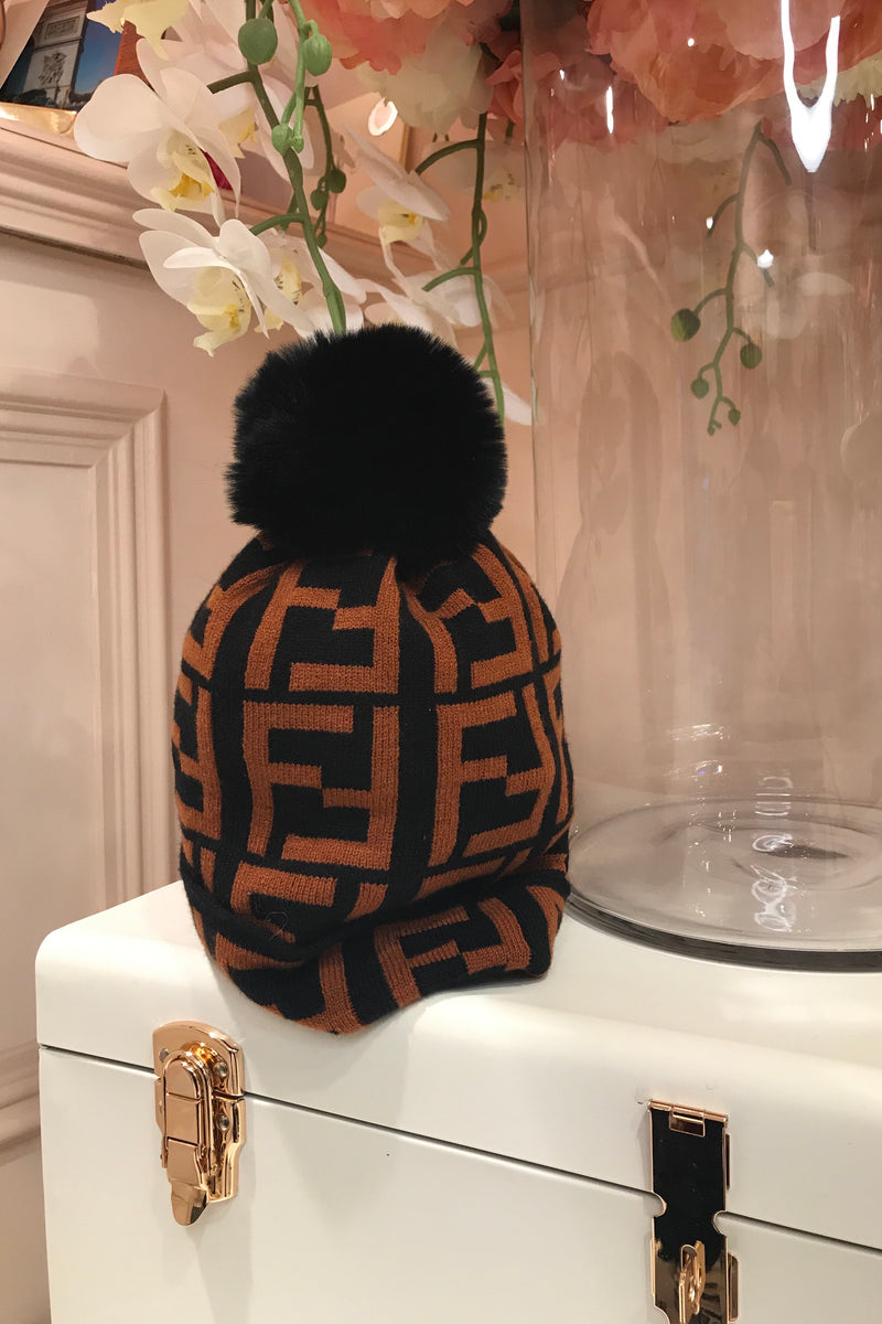 RUST/BLACK BOBBLE HAT