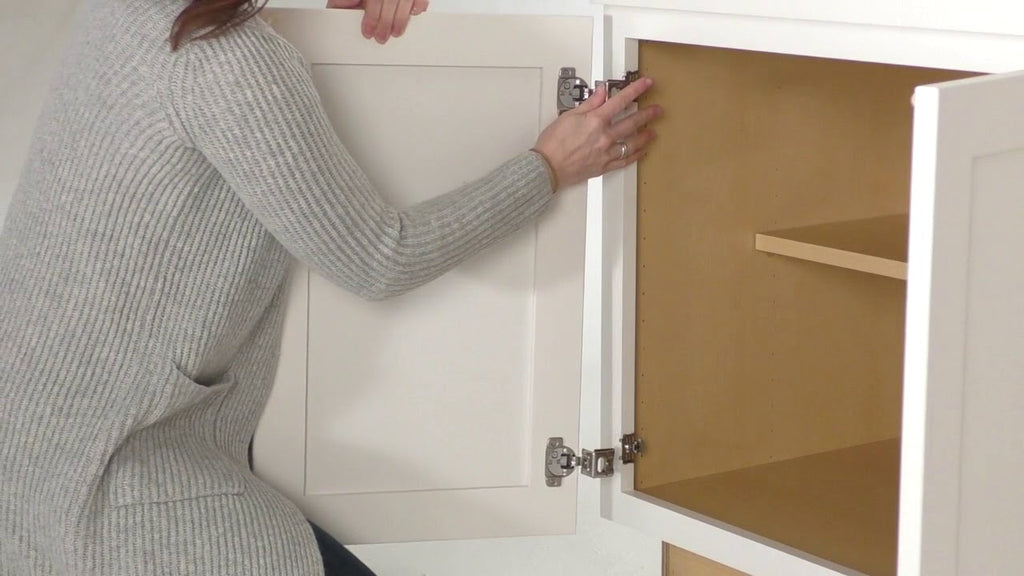 Kemper Cabinets, Masterbrand Cabinet Company, quick release hinges for quick and easy installation and cabinet door adjustment
