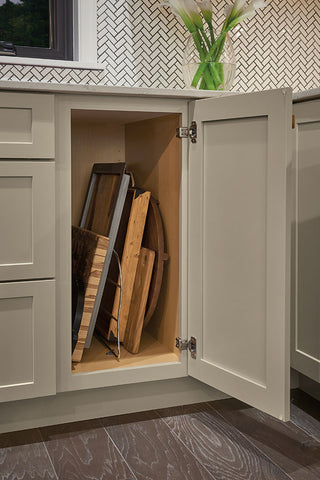 tray divider cabinet in kitchen