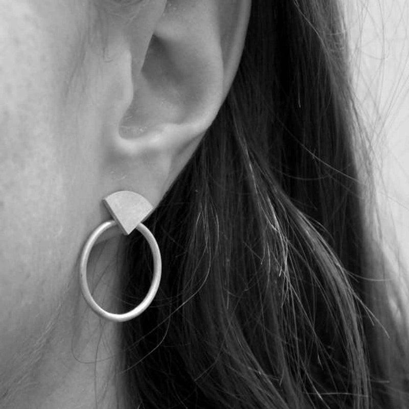 sarah-straussberg-bloom-loop-silver-earrings