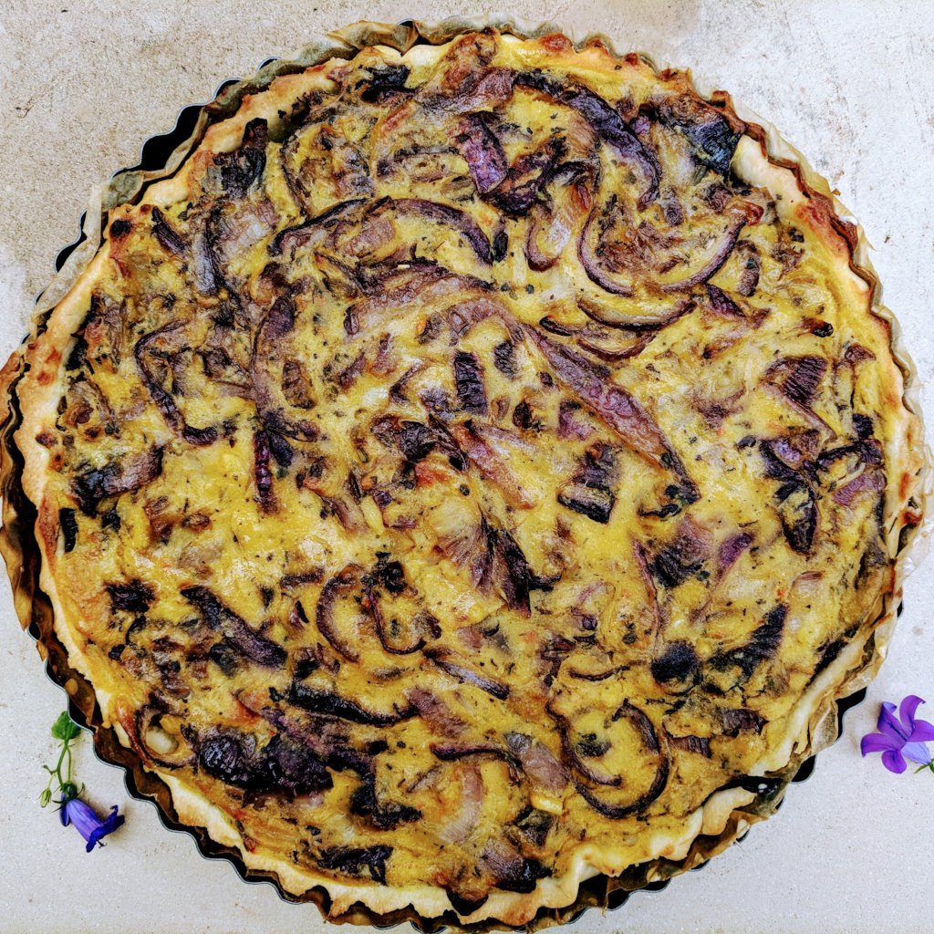 Caramelised onion quiche