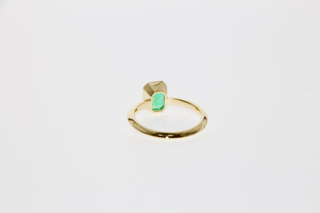 Tamahra Prowse jewellery commission emerald and gold ring