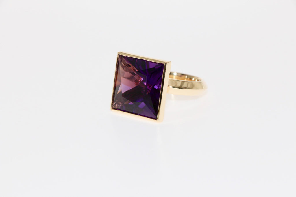 Amethyst cocktail ring, 18ct gold. Tamahra Prowse jewellery design.