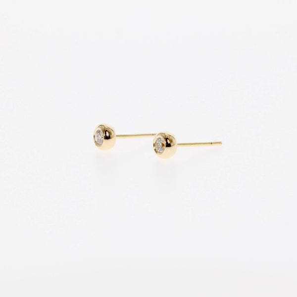 18 karat yellow gold diamond stud earrings by Tamahra Prowse