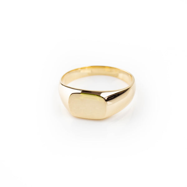 Unisex vintage style signet ring in 9kt gold by Tamahra Prowse.e