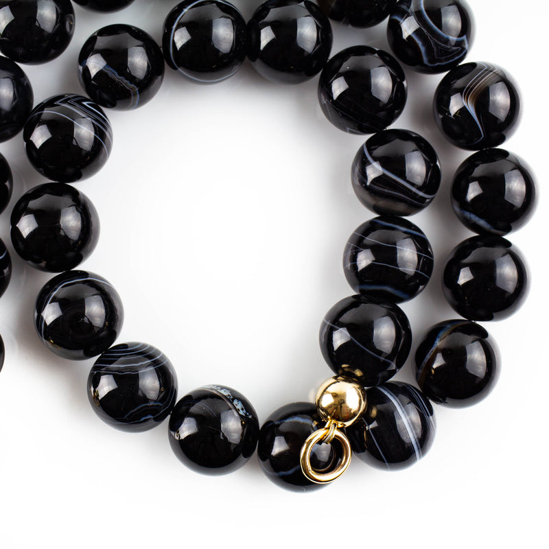 Black and white agate choker necklace with solid gold accents by jeweller Tamahra Prowse.