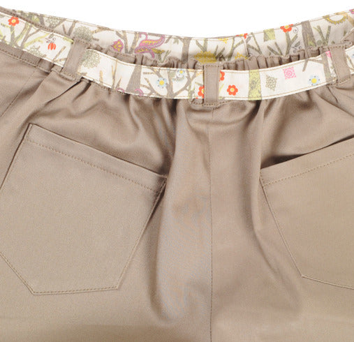 lulu shorts - beige/green tuesday trees