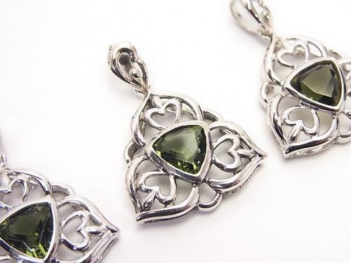 High Quality Moldavite AAA Triangle Faceted Design Frame Pendant 19 x 19 x 5 mm 1 pc