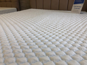 Gel / Memory Foam Mattress (Double)