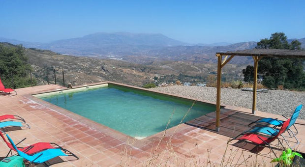 swimming pool with view to the mountain