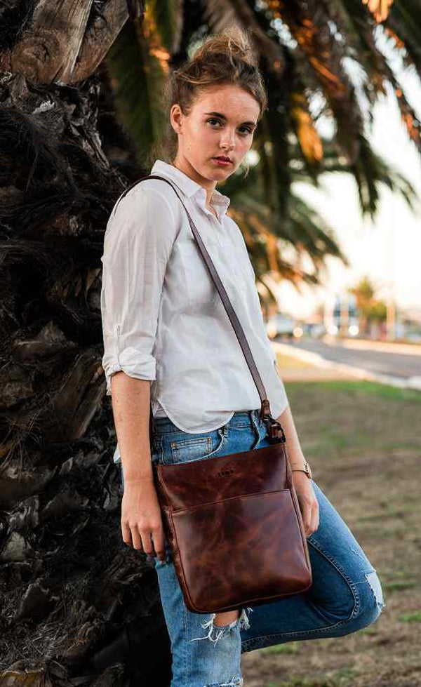 Zemp Boston Cross Body Bag | Chestnut - KaryKase