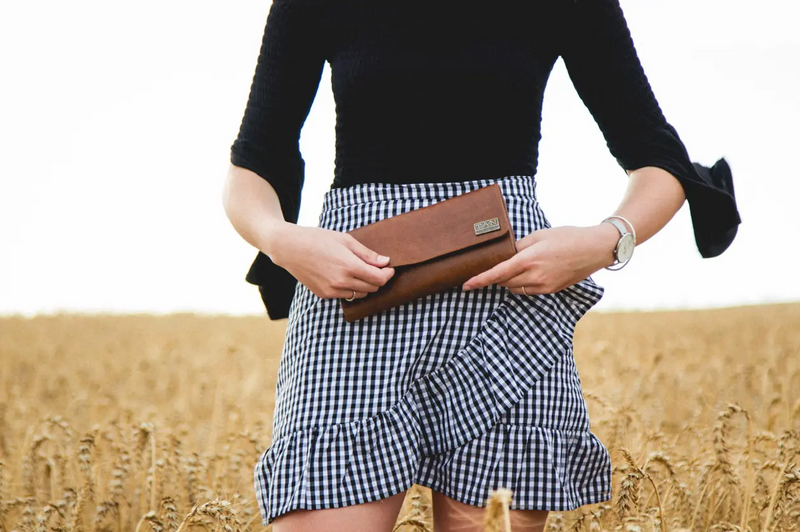 Tan Leather Goods - Lauren Leather Ladies Wallet | Pecan - KaryKase