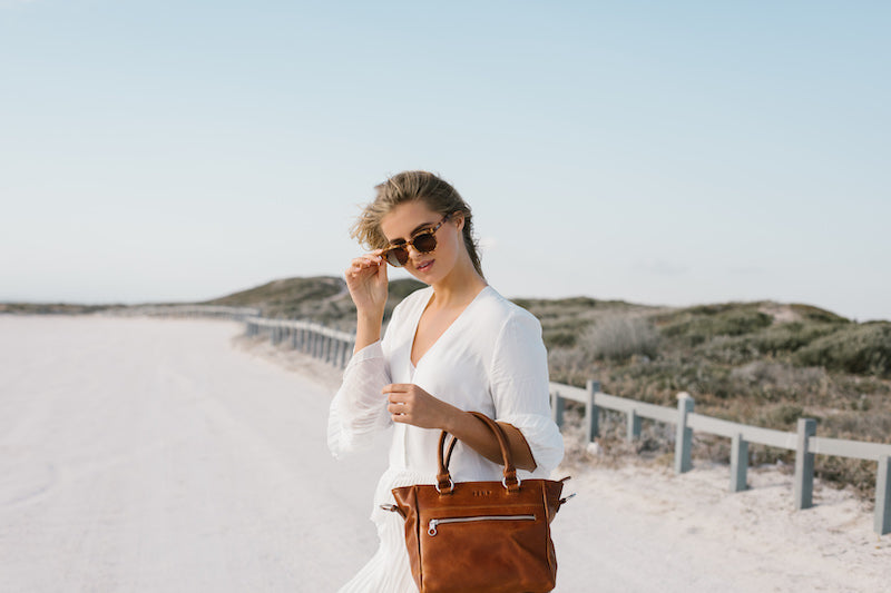 Zemp Paris Grab Handbag | Waxy Tan - KaryKase