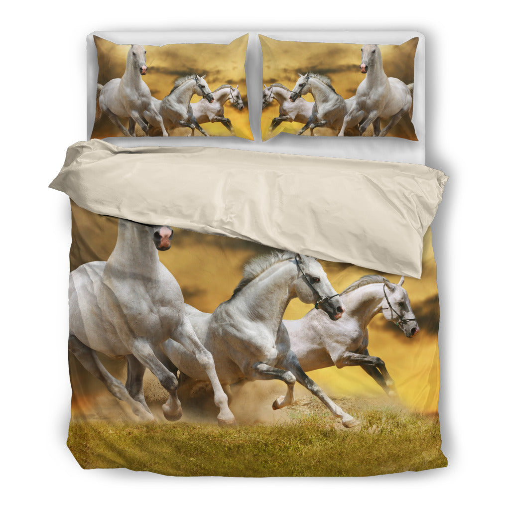 Field Runners - White Bedding Set