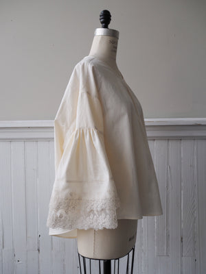 cotton poplin big shirt with embroidered organza lace sleeves