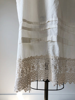 organdy tunic with lace