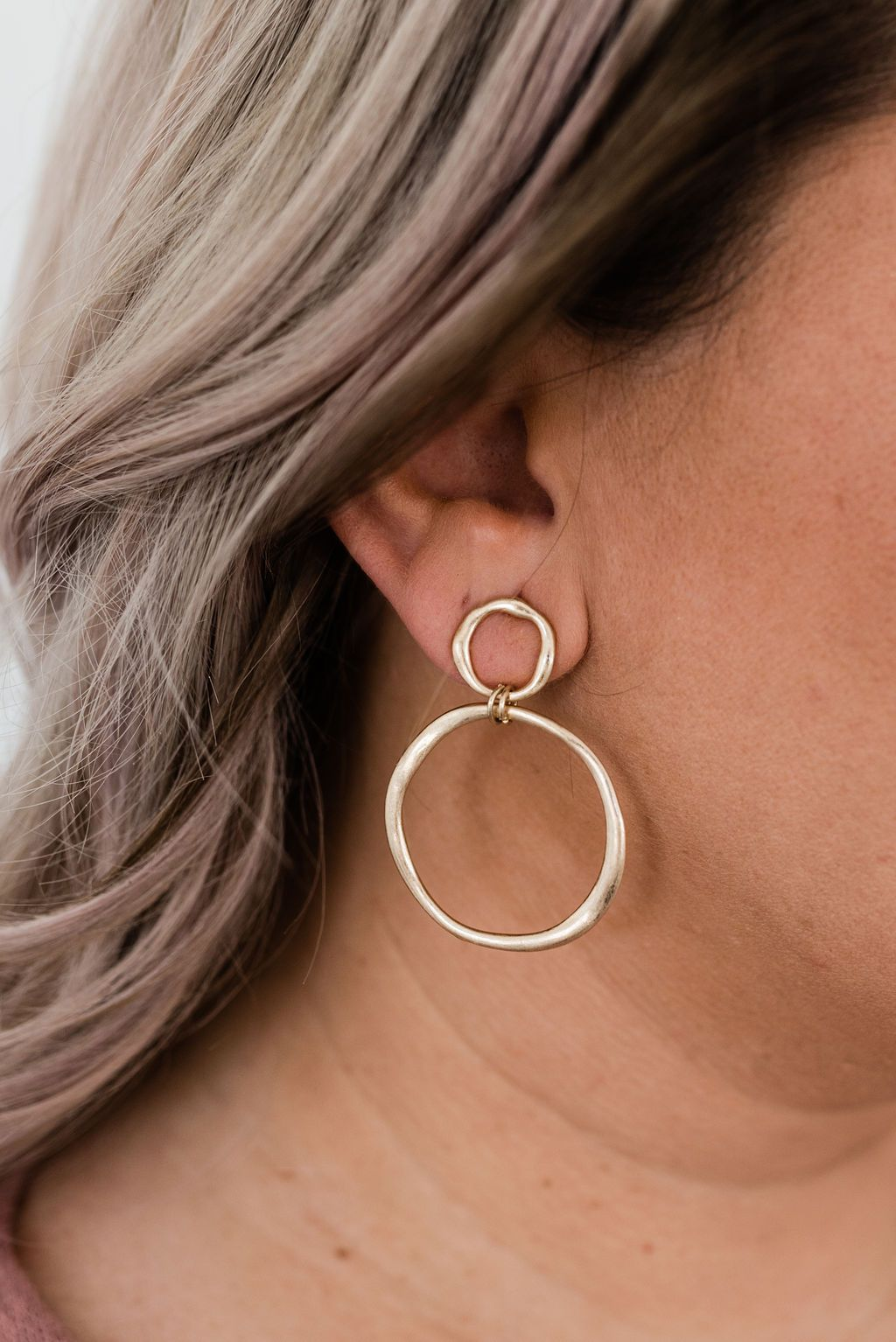 Hammered Metal Double Circle Earrings in Gold - Boutique 1780