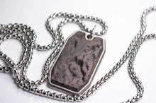 Load image into Gallery viewer, carbon fiber pendant